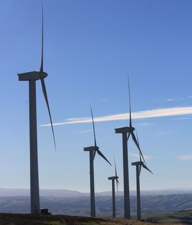 5 turbines at Mt Stuart wind farm